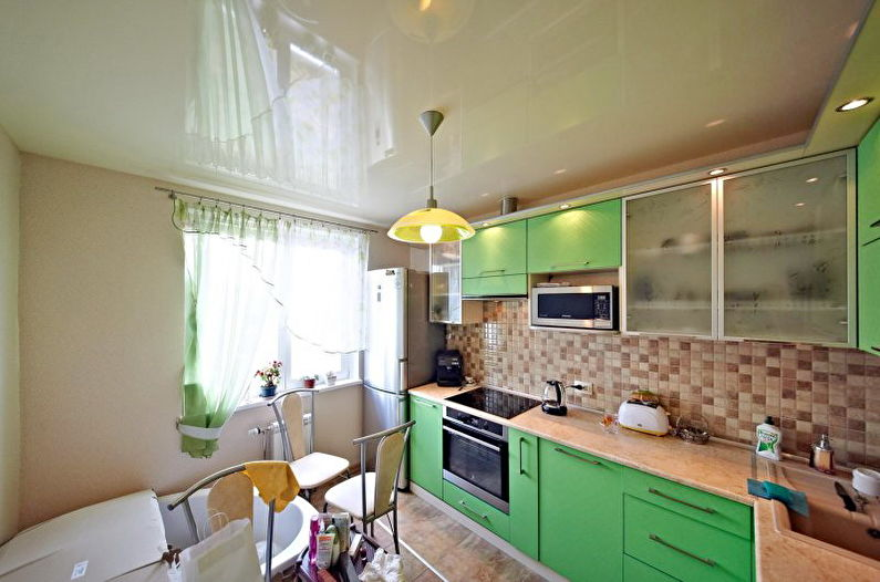 Натяжные потолки на кухне - Плюсы и минусы