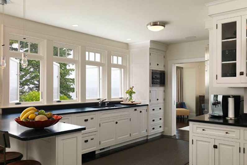 Натяжные потолки на кухне - фото