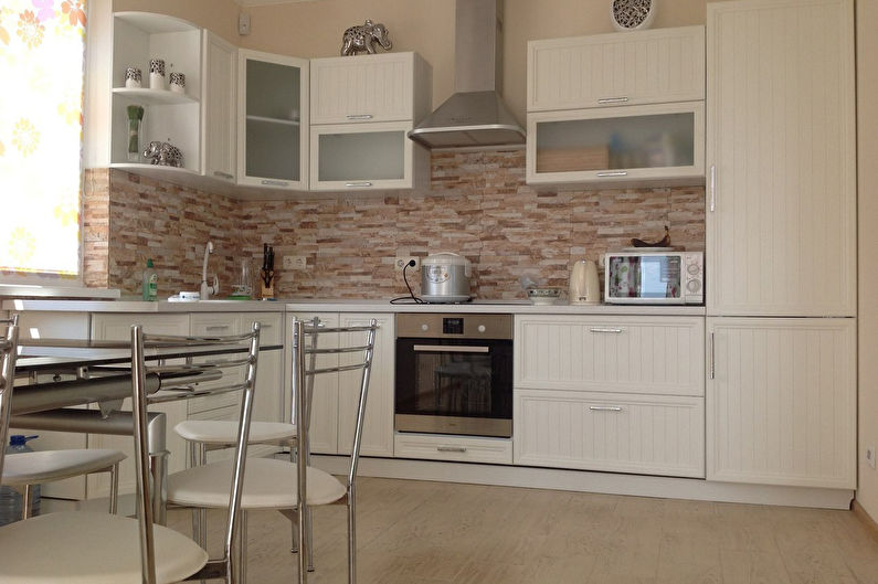 Кухонный фартук из камня - фото