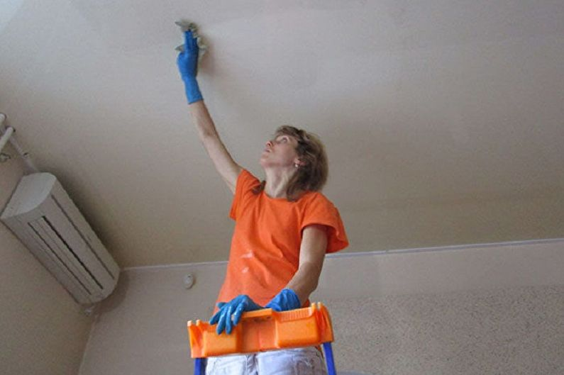 Как помыть натяжной потолок без разводов в домашних условиях - Как устранить загрязнения после глобального ремонта