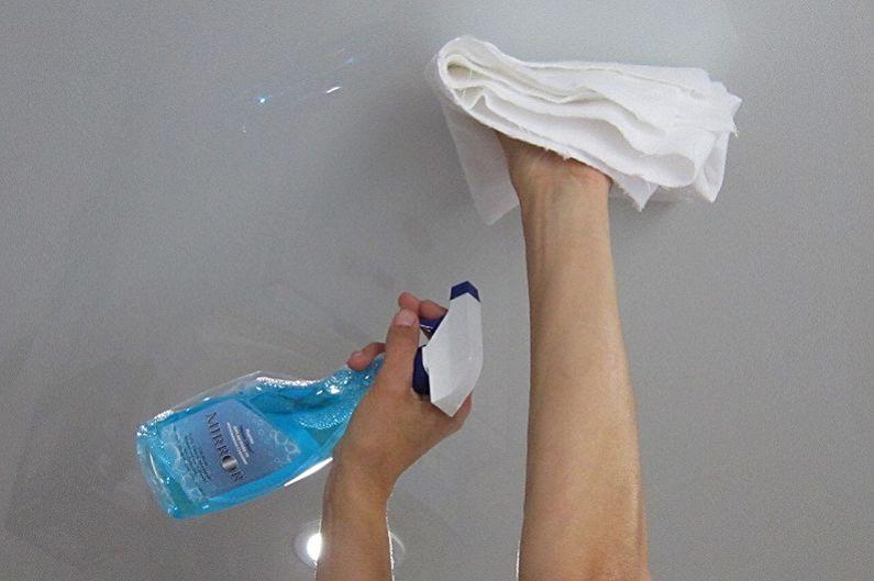 Как помыть натяжной потолок без разводов в домашних условиях - Чего делать нельзя