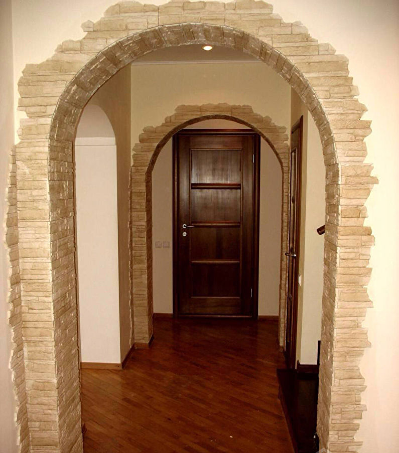 Отделка арки декоративным камнем - фото