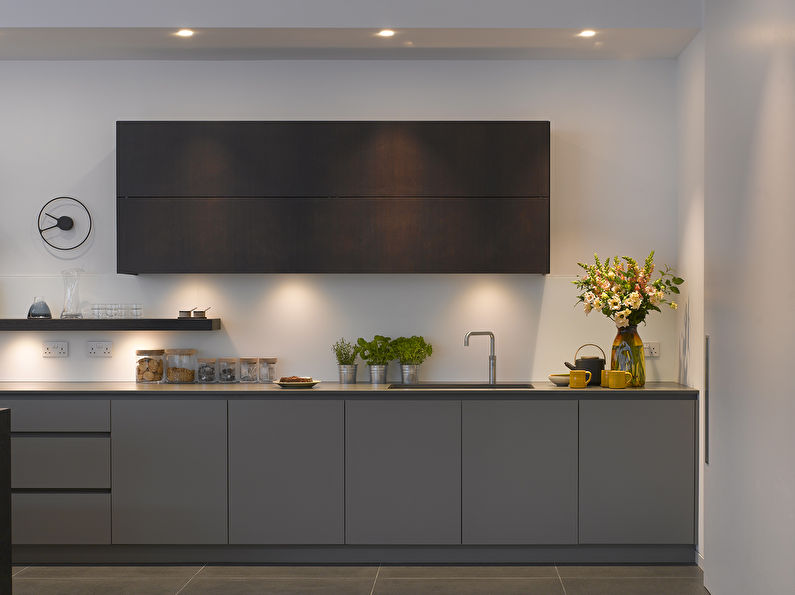 Серая кухня в стиле минимализм - фото