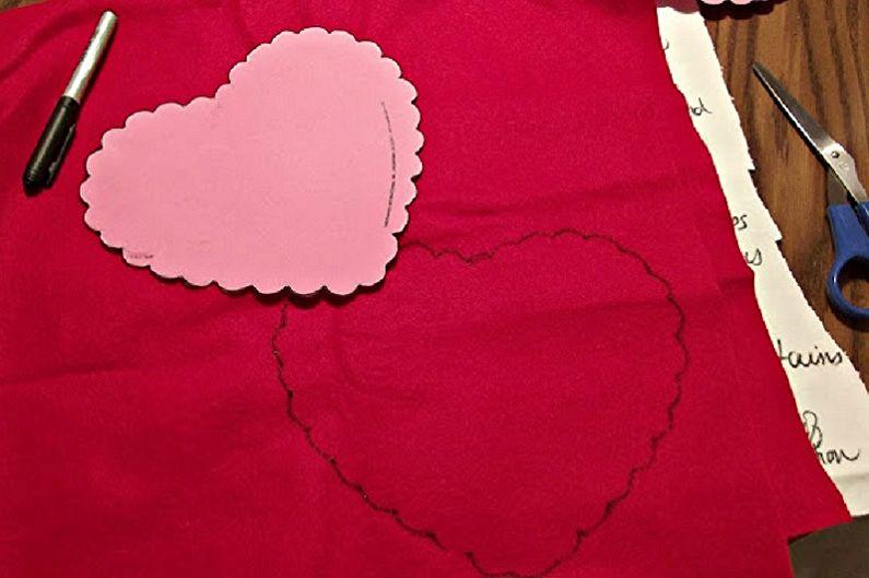 Подарок на 14 февраля своими руками - Декоративная подушка