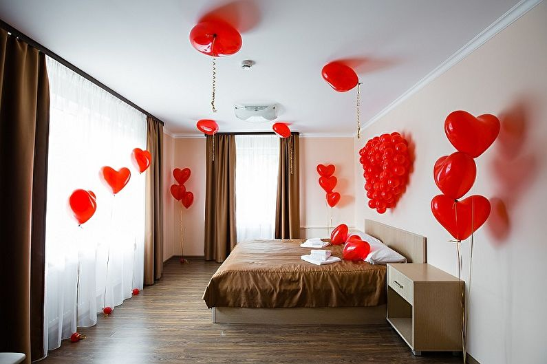 Как украсить квартиру на 14 февраля - Воздушные шары