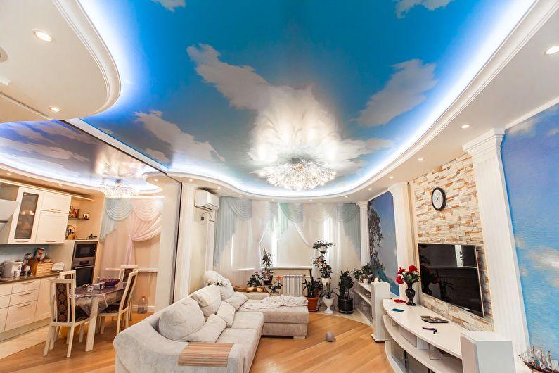 Двухуровневый натяжной потолок в зале (гостиной) - фото
