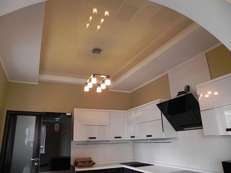 Натяжной потолок на кухне - фото