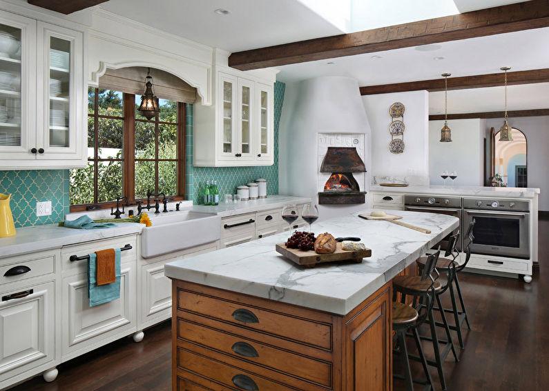 Интерьер кухни в итальянском стиле, материалы и отделка