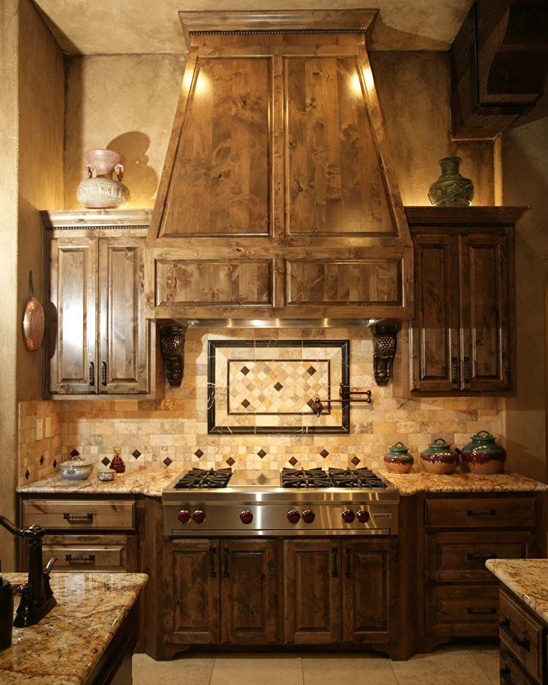 Интерьер маленькой кухни в итальянском стиле, Декор