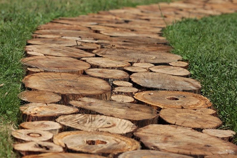 Садовые дорожки своими руками - Деревянные чурки