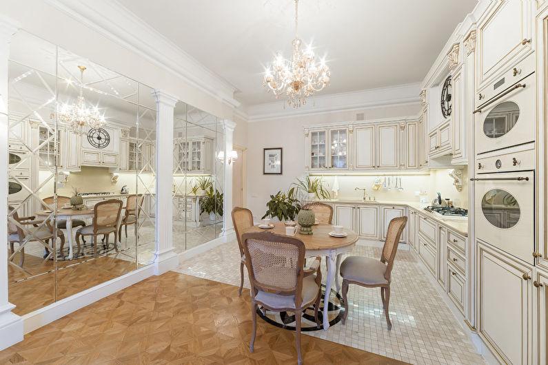 Дизайн кухни в классическом стиле - отделка потолка