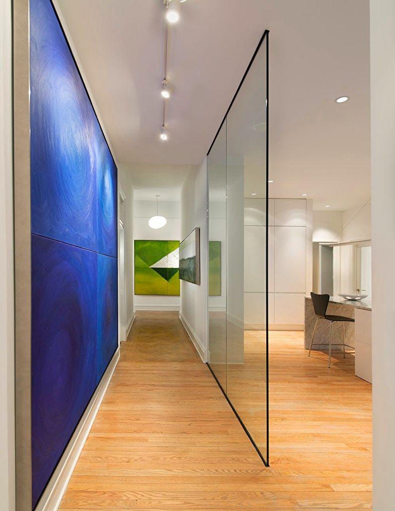 Стеклянные перегородки в интерьере прихожей / коридора