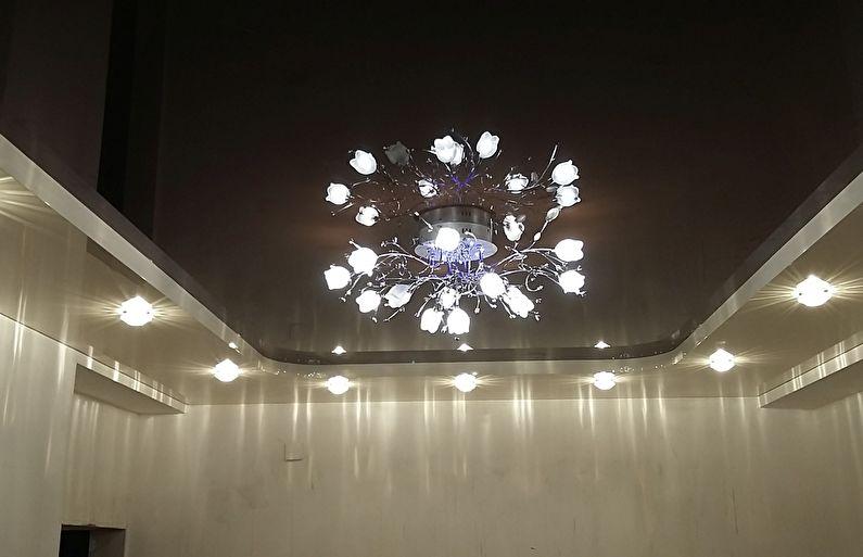 Двухуровневый натяжной потолок с подсветкой - люстра