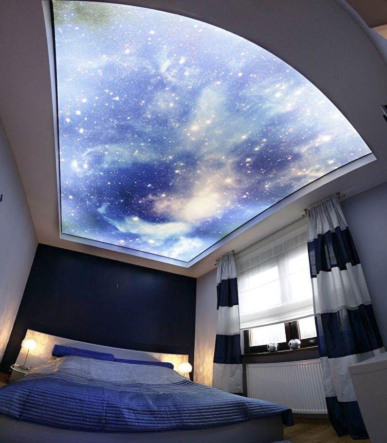 Двухуровневый натяжной потолок с подсветкой - звездное небо