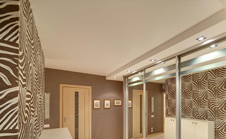 Двухуровневые натяжные потолки в коридоре и прихожей