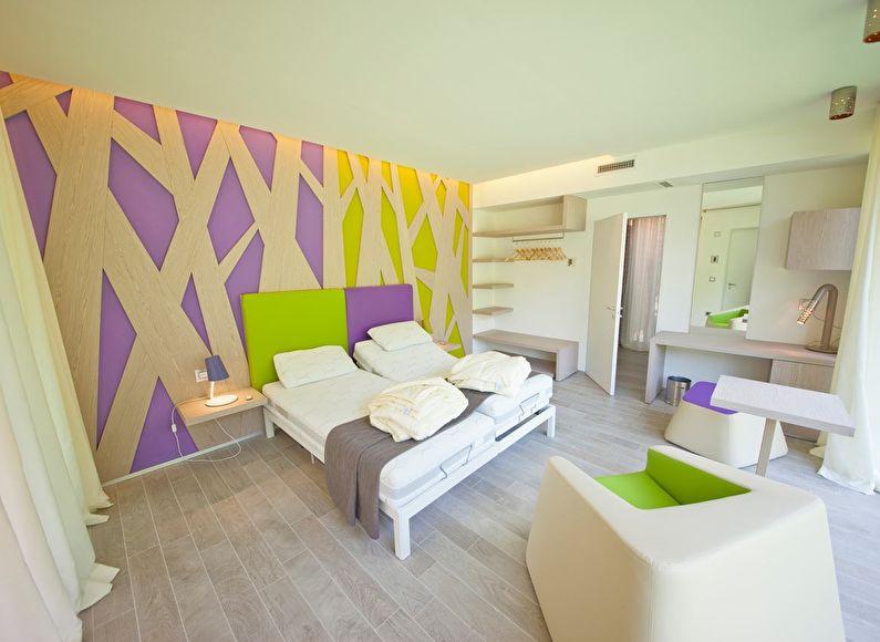 Сочетание цветов в интерьере спальни - фиолетовый с зеленым и белым