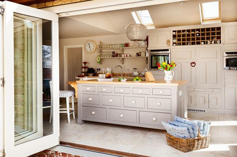 Красивые кухни фото - Кухня с кантри-мебелью