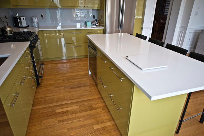 Дизайн кухни в оливковом цвете - Отделка пола