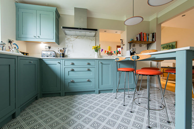 Дизайн кухни в бирюзовом цвете - Отделка пола