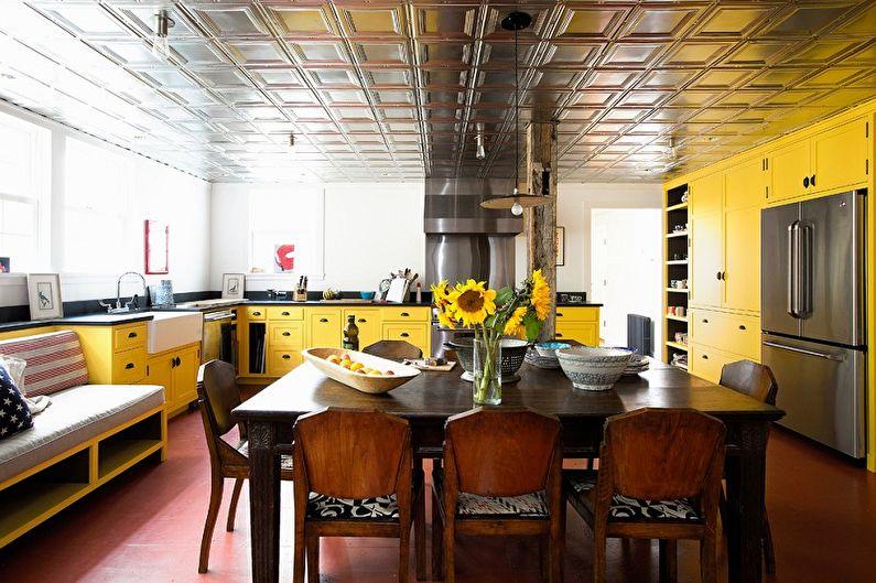 Дизайн кухни в желтых тонах - Отделка потолка