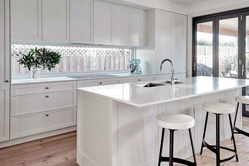 Дизайн кухни 8 кв.м. в классическом стиле