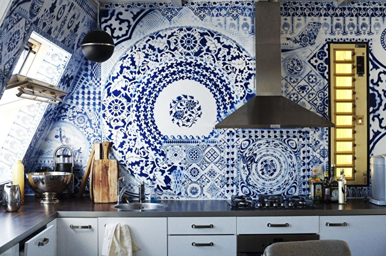 Отделка стен на кухне - Керамическая плитка