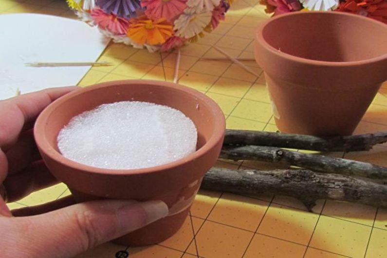 Цветочный топиарий в технике квиллинг своими руками