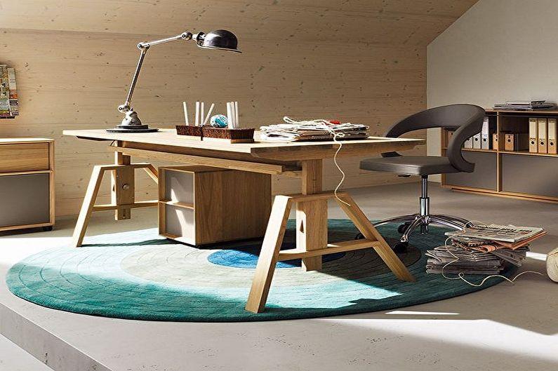 Письменный стол для школьника из натурального дерева