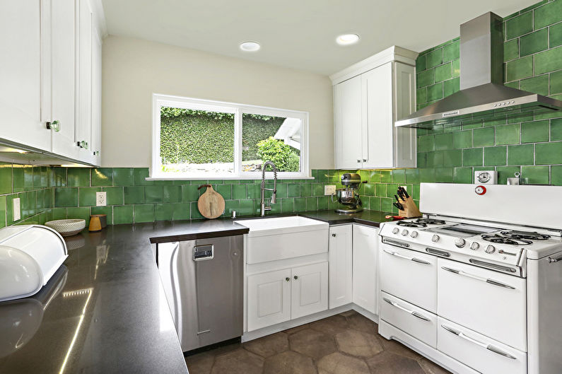 Зеленая кухня - дизайн интерьера фото