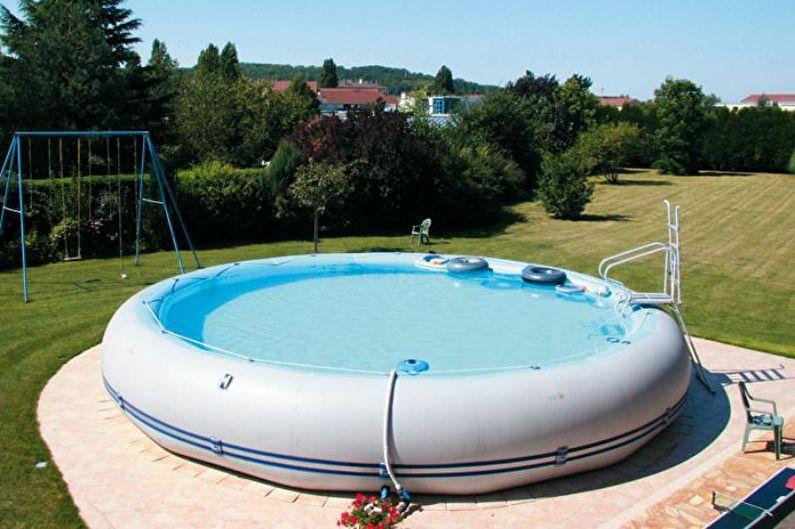 Детский надувной бассейн для дачи