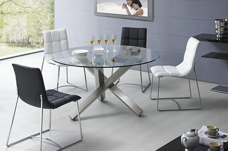 Обеденный стол с тремя ножками
