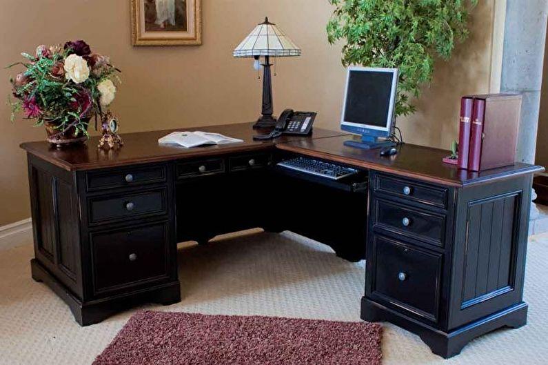Угловой компьютерный стол из дерева