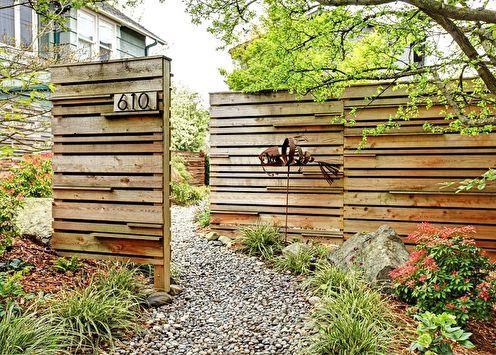 Деревянные заборы: 100 фото-идей