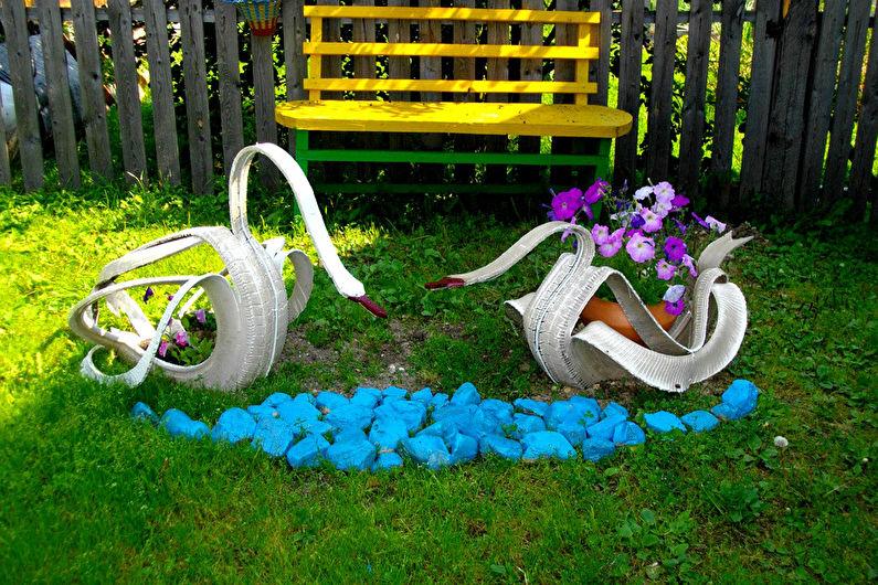 Украшения для сада из шин своими руками