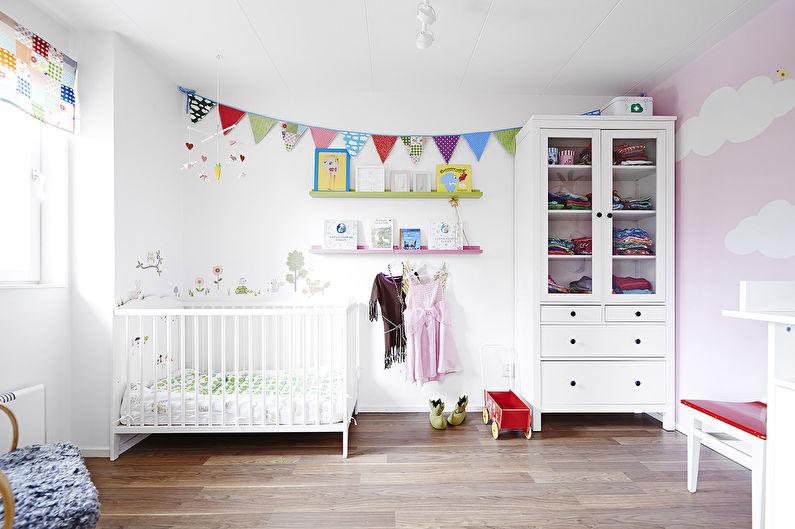 Белые обои для детской комнаты
