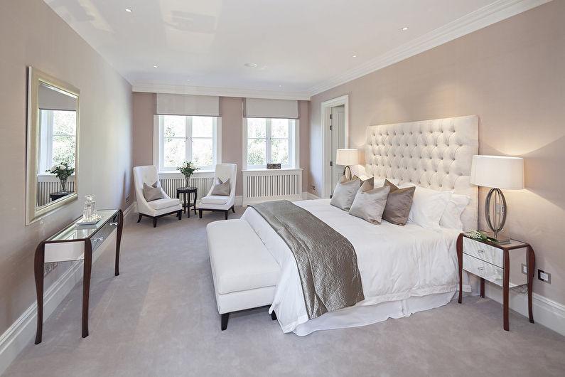 Однотонные натяжные потолки в спальне