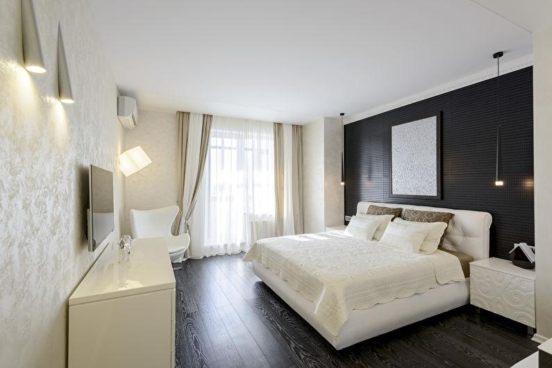 Белый матовый натяжной потолок в спальне - фото