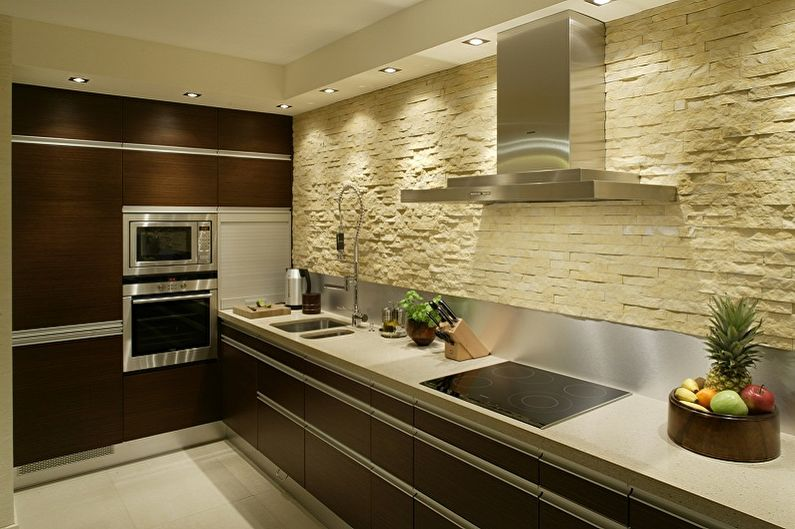 Дизайн кухни в бежевых тонах - Отделка стен