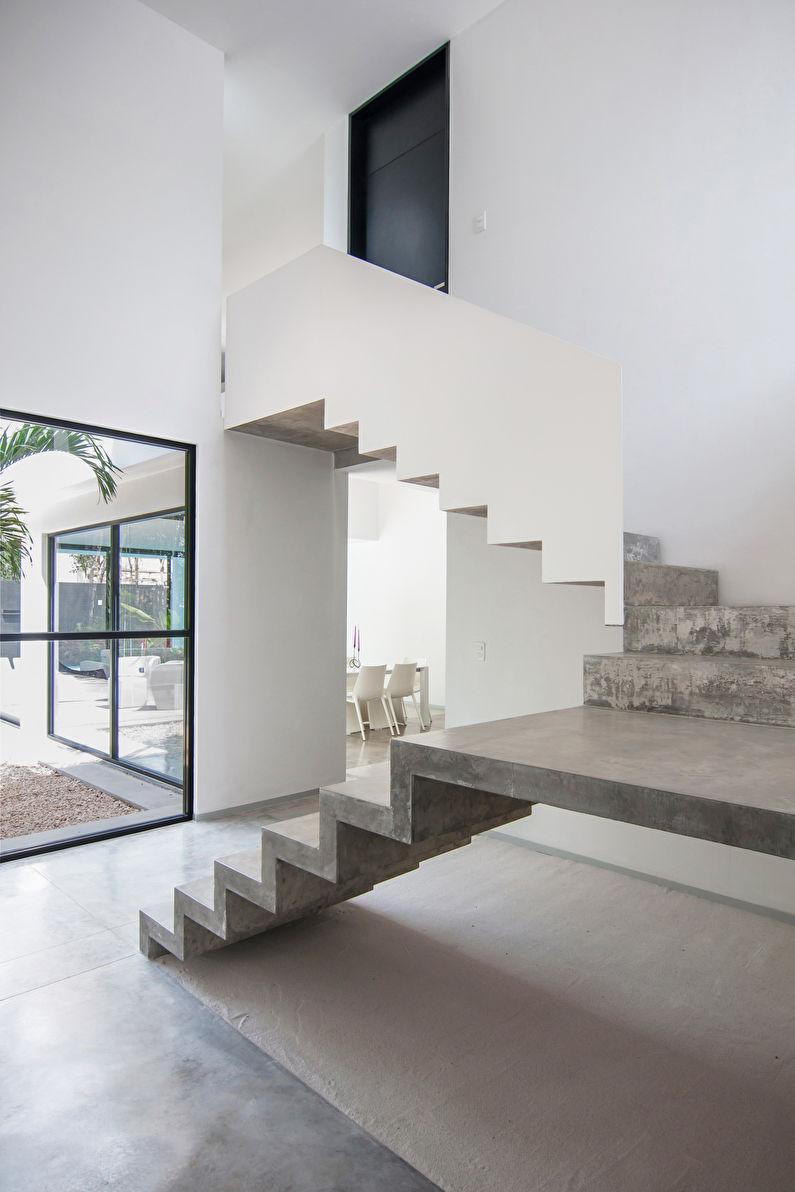 Бетонные лестницы на второй этаж