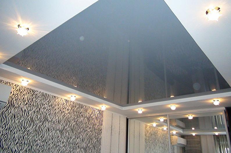 Натяжной потолок в маленькой прихожей - Металлик