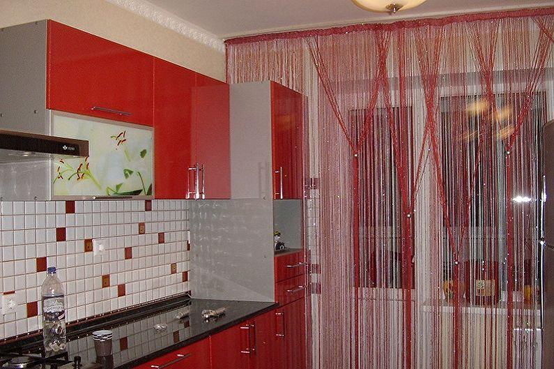 Виды занавесок на кухню - Шторы из нитей (кисея)