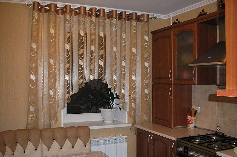 Виды занавесок на кухню - Шторы-арки и ламбрекены