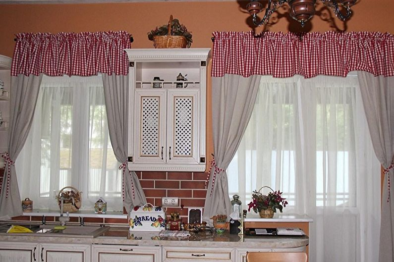 Занавески на кухню - фото