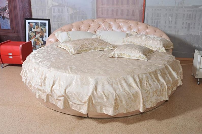 Круглая кровать в спальню - Постельное белье