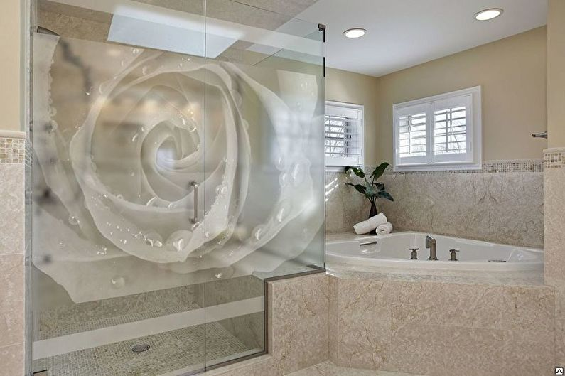 Дизайн стеклянных шторок для ванной комнаты