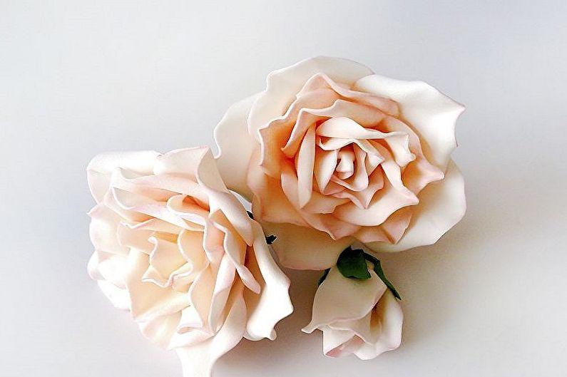 Розы из фоамирана своими руками - фото