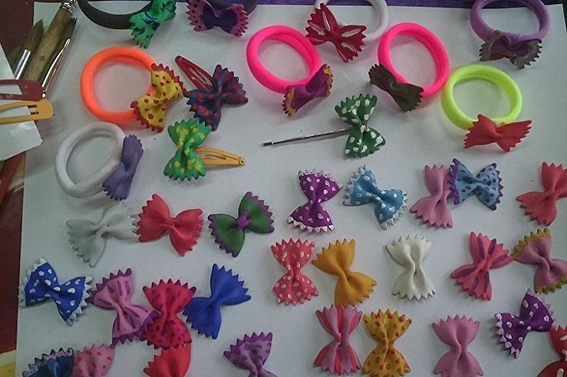 Детские поделки из макарон своими руками - Украшения для девочки