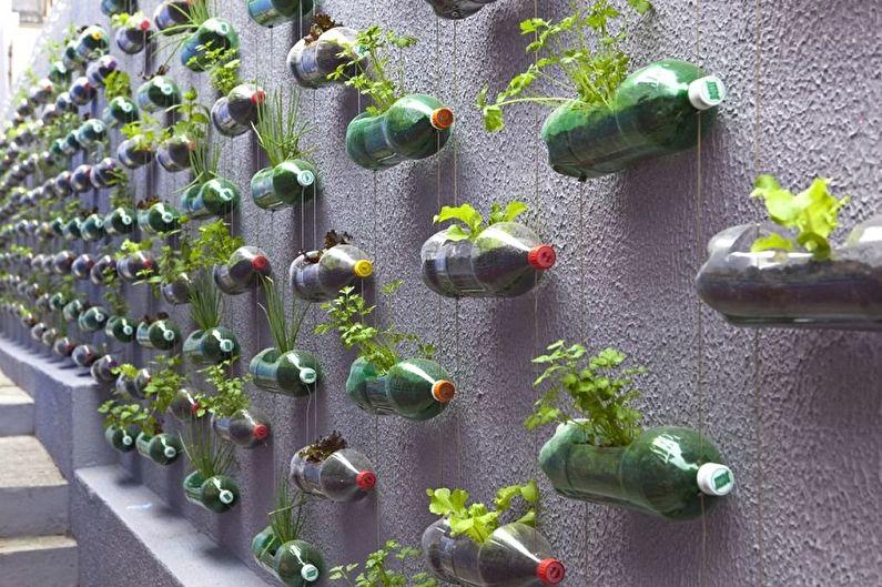 Уличные вазоны для цветов из пластиковых бутылок своими руками