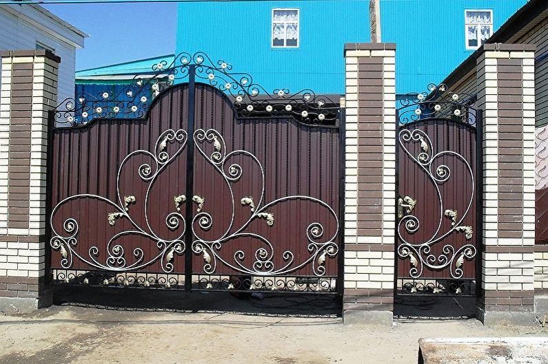 Ворота и калитки из профнастила - Какими бывают калитки