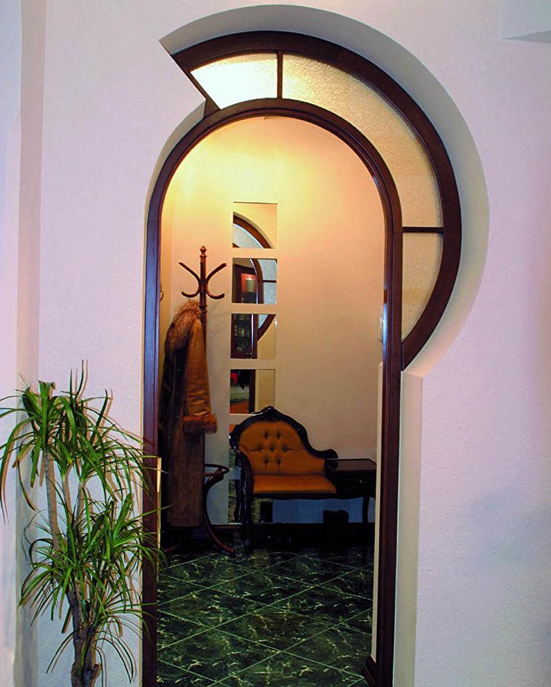 Фигурная арка из гипсокартона в прихожей и коридоре - дизайн